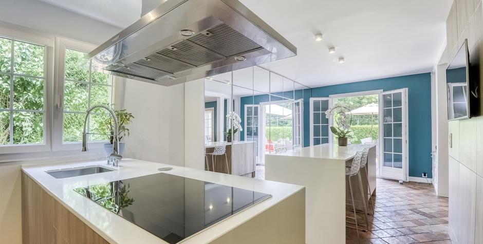 Rénovation partielle Maison Familiale d'un particulier pièces de vie et cuisine Nesles-la_Vallée 95 Val d'Oise design by Loft 75